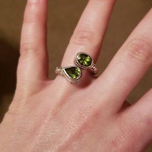 Jewelry - Peridot 925 ring